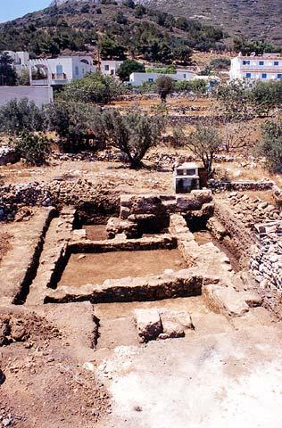 ΚΑΛΥΜΝΟΣ - ΤΕΛΕΝΔΟΣ Ανασκαφή οικοπέδου Ειρ.Ζερβού 'Αποψη από ανατολικά